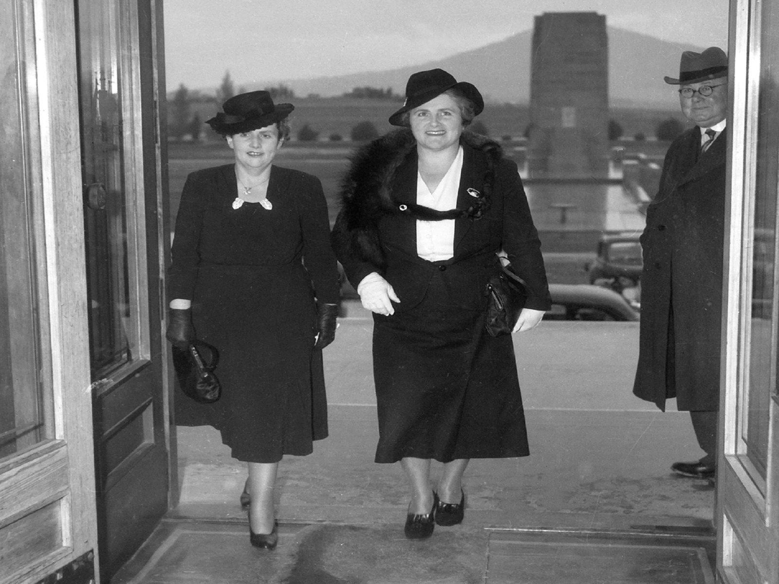 Dame Dorothy Tagney & Dame Enid Lyons