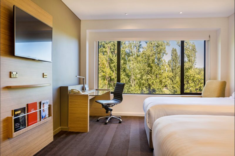 Crowne Plaza Canberra Twin Deluxe Park View Room
