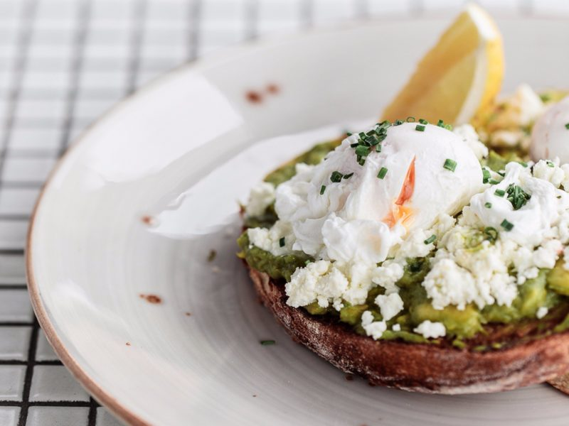 Smashed avo and eggs