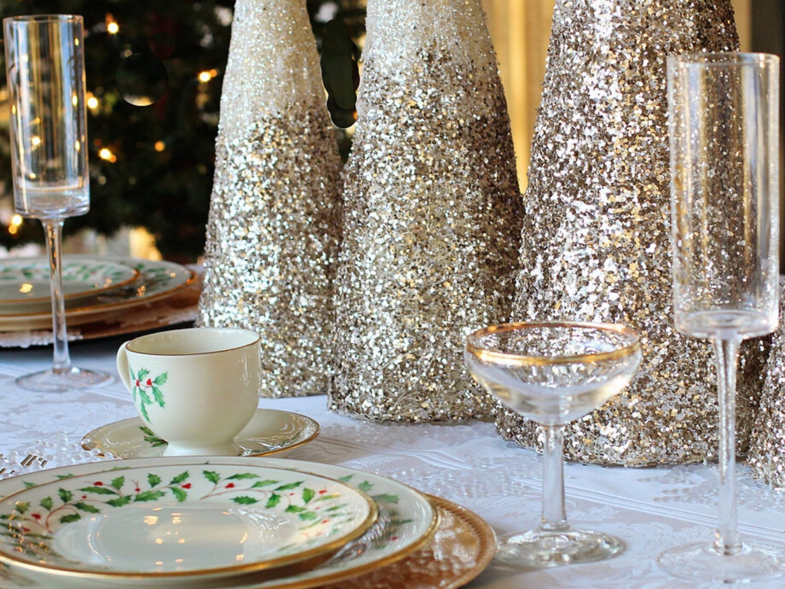 Lunch table layout with Christmas decorations