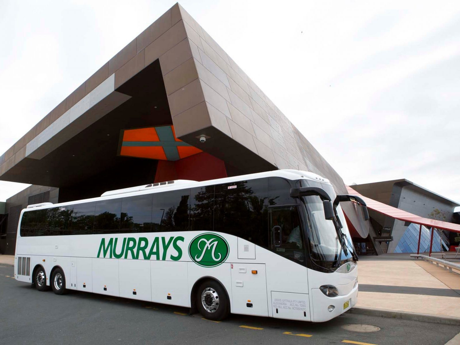 Murrays coach outside the National Museum of Australia