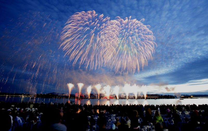 Magnificient fireworks display over Lake Burley Griffin