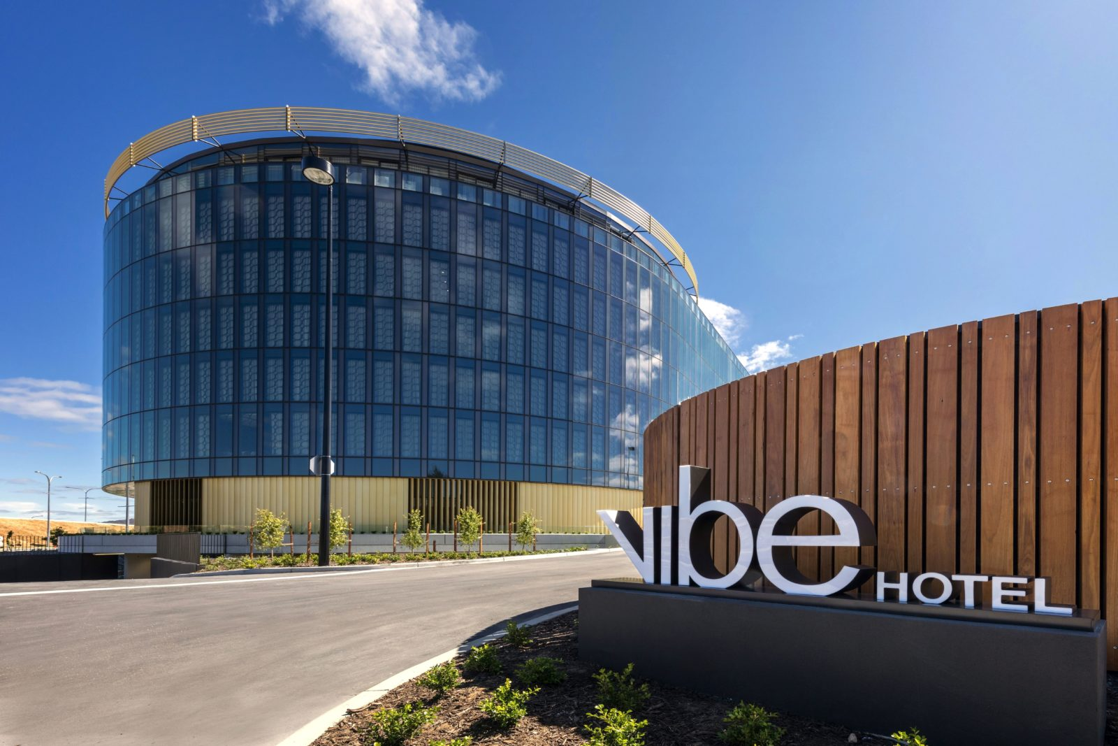Vibe Hotel Canberra Airport exterior