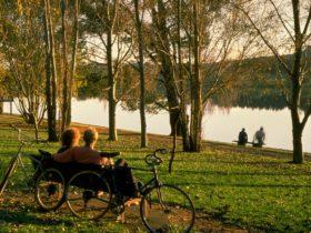 Weston Park views to Lake Burley Griffin