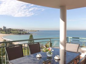 AeA The Coogee View Beachfront Serviced Apartments