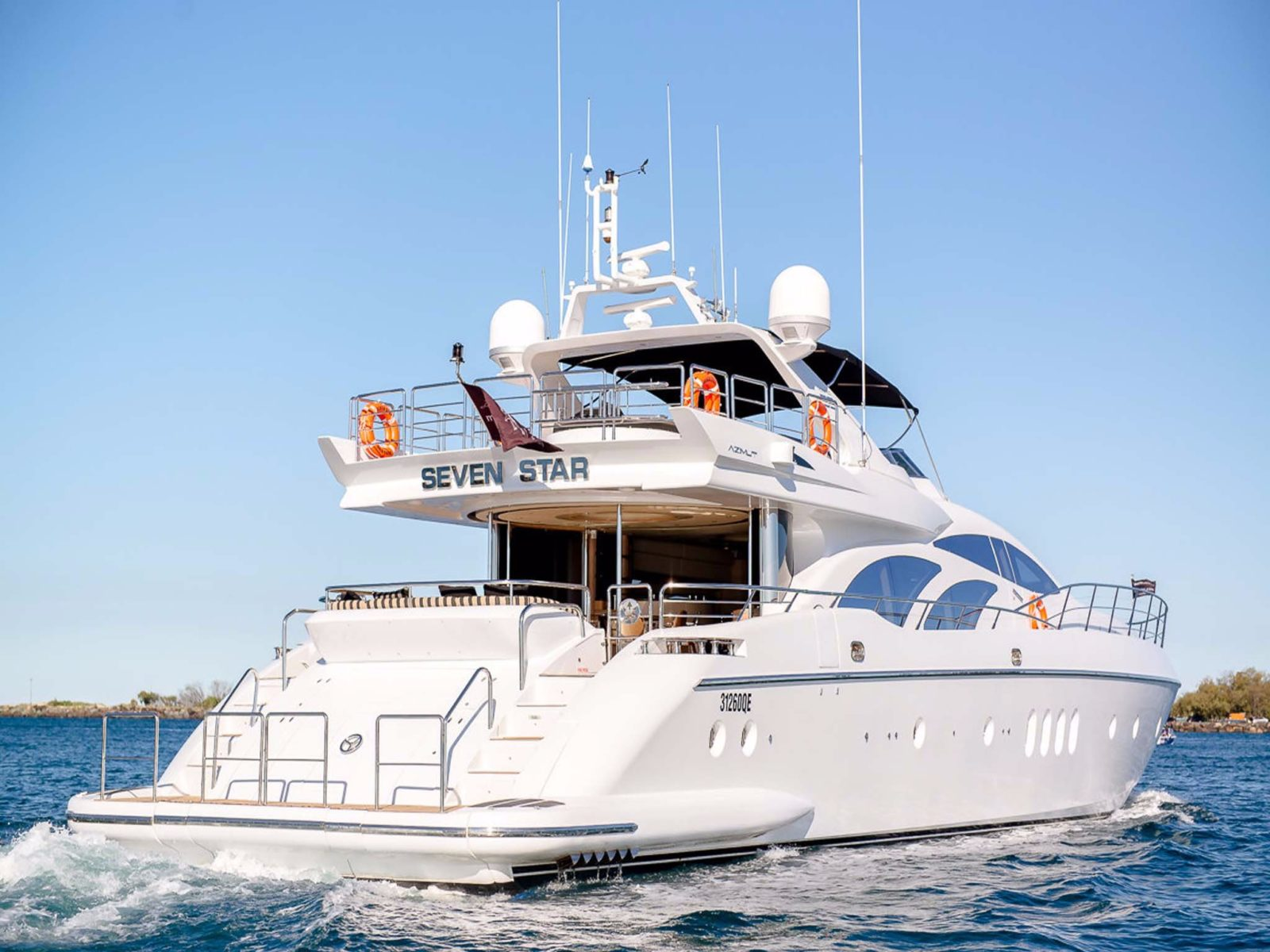 98 foot super yacht