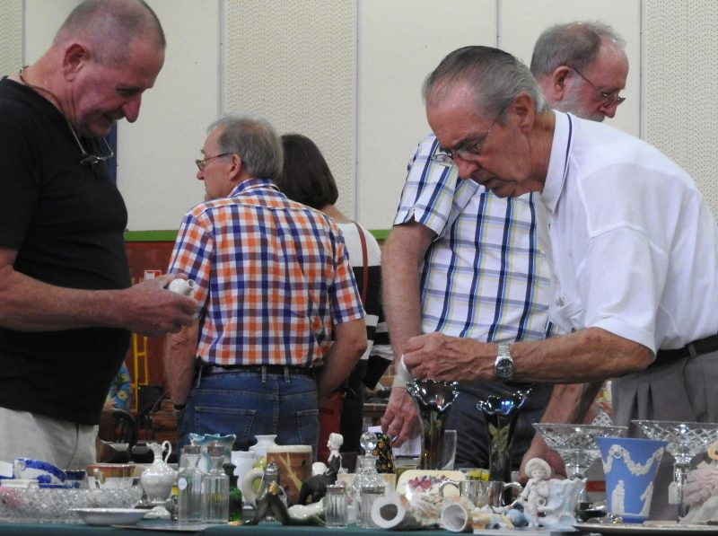Antiques and Retro Fair Kiama NSW 19th and 20th January 2020 by the Rotary Club of Kiama