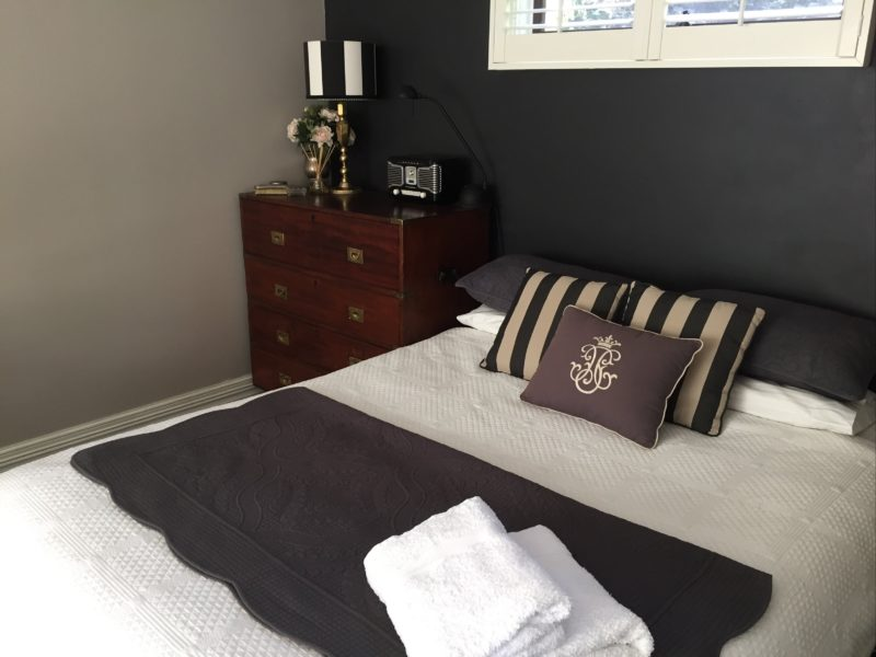 Queen bed and chest of drawers