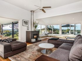 Aria - Living Room
