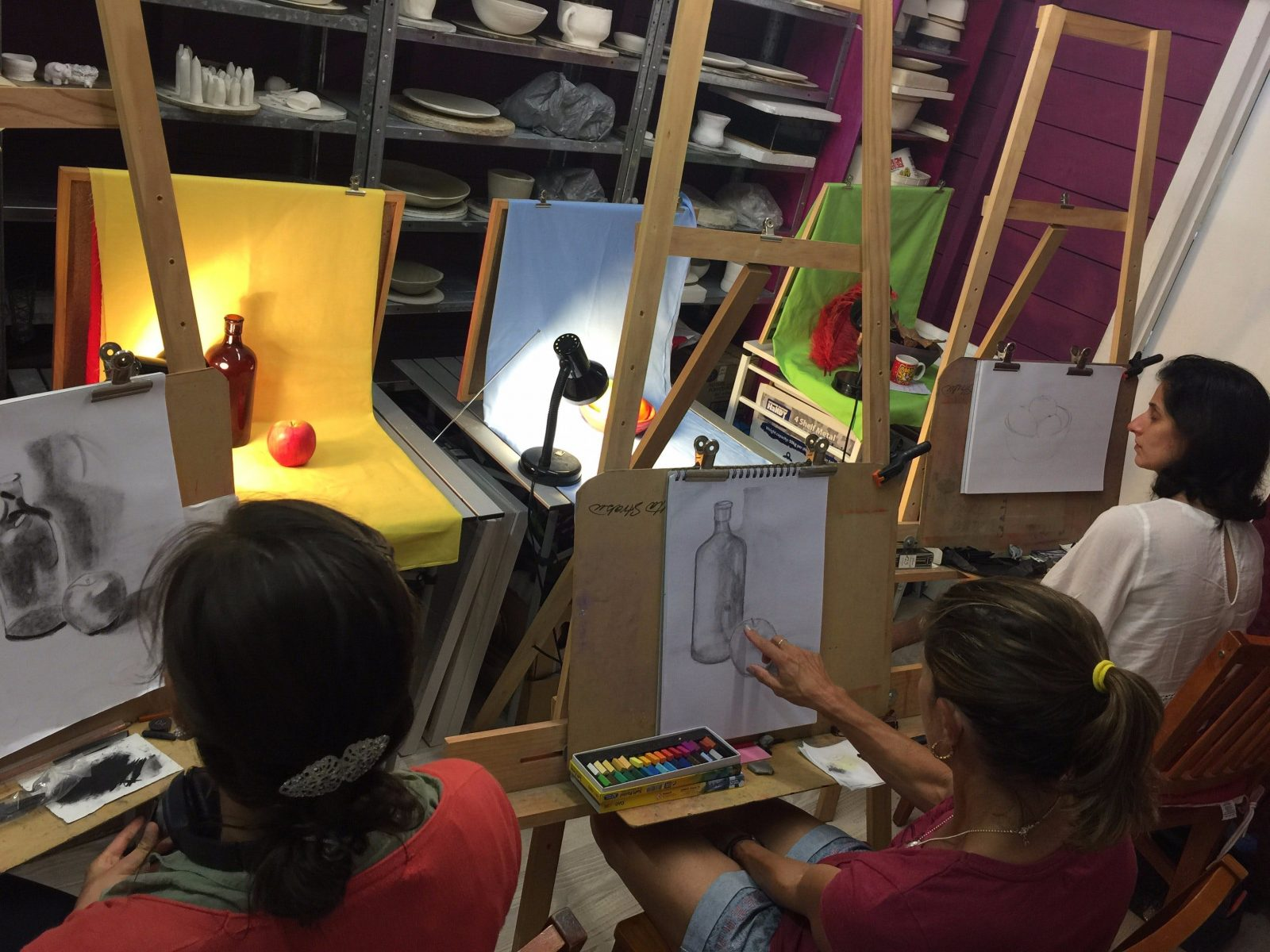 Art classes at Voart studio