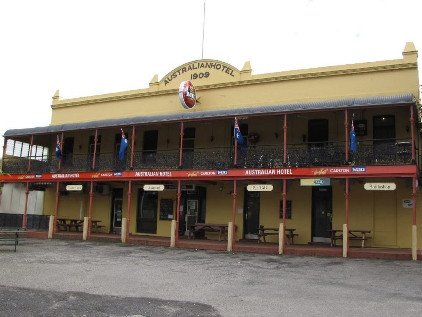 Australian Hotel Cowra