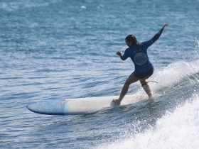 Claire Bunting - Open Women's Longboard competitor