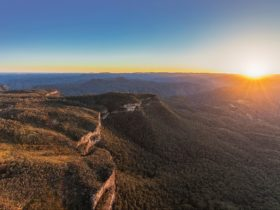 Autopia Tours, Sydney Day Trips, Blue Mountains Sunset, nature, bushwalking, wildlife, Katoomba
