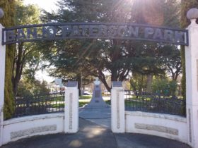 Banjo Paterson Park entrance