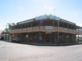 Baradine Hotel