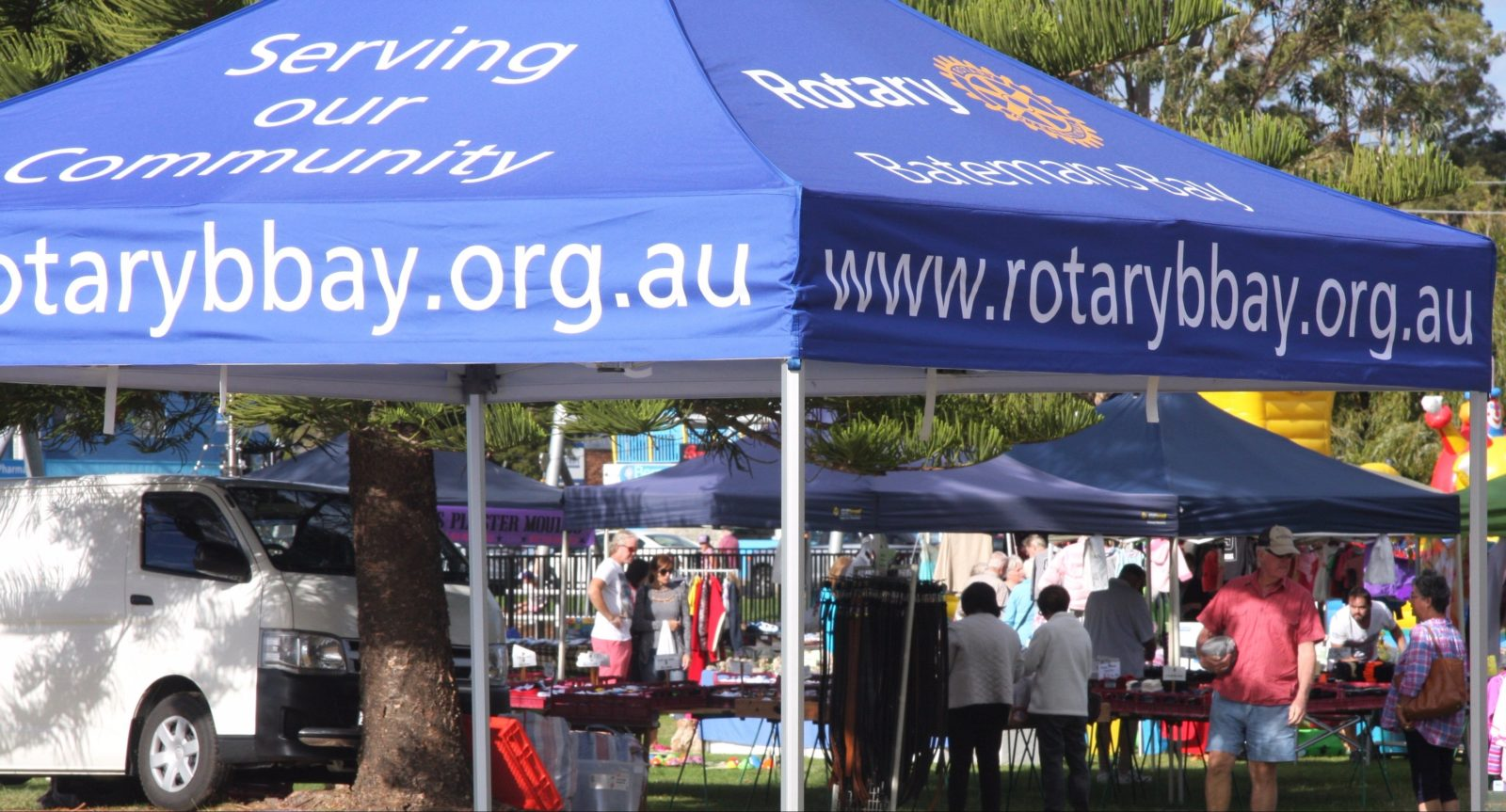 Rotary Batemans Bay Sunday Market - third Sunday.