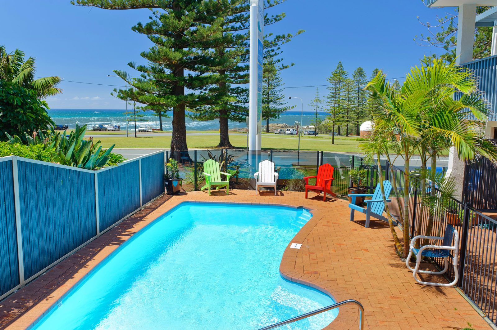 Wonderful pool on site oppisite Town Beach