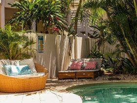 Beachcomber Blue - Pool Side Setting
