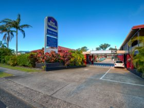 Best Western Zebra Motel entrance - Coffs Harbour motel