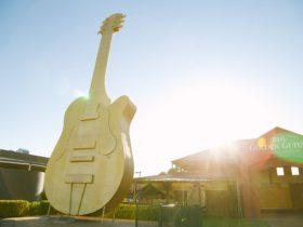 Big Golden Guitar Tourist Centre