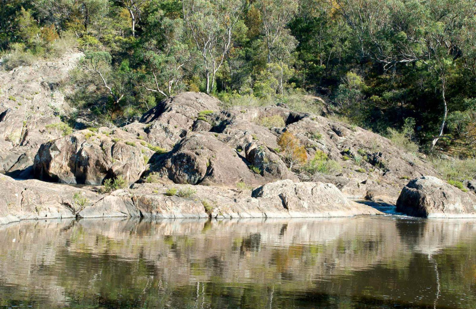 Boonoo Boonoo Falls, Boonoo Boonoo National Park. Photo: DECC/NSW Government