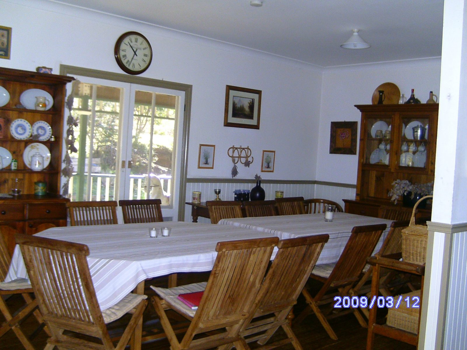 Seating for 16