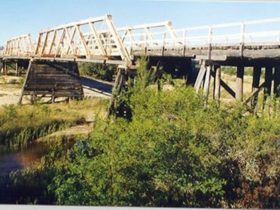 Bulga Bridge over Wollombi Brook