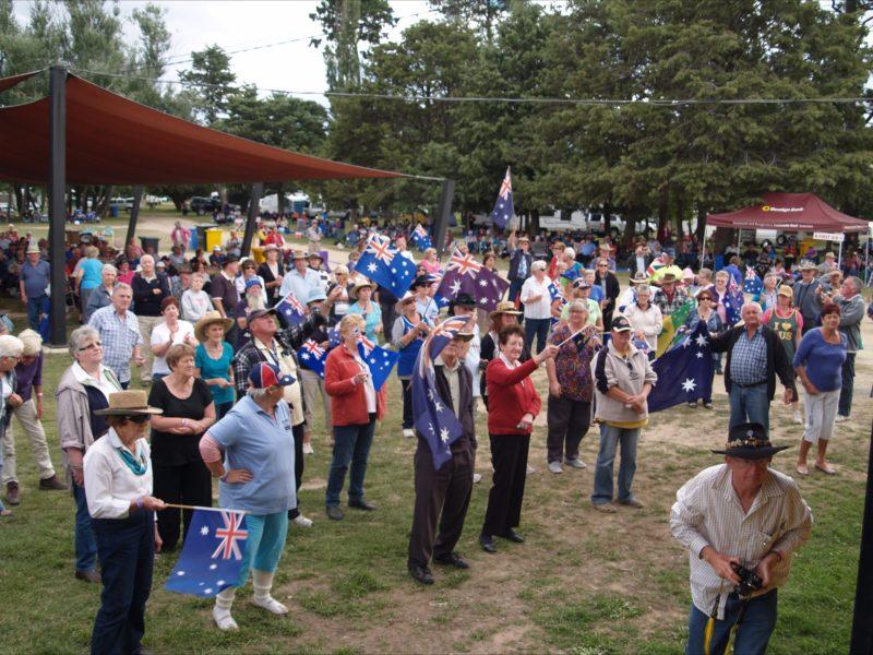 Audience waving goodbye