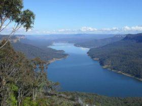 Burragorang lookout, Burragorang State Conservation Area. Photo: A Horton/NSW Government