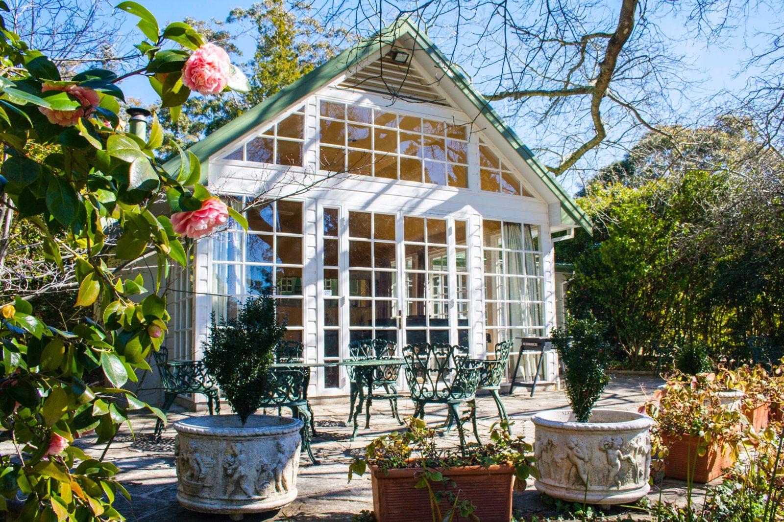 Bronte Cottage patio