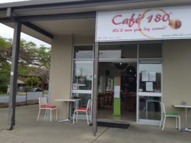 Main entrance to Cafe 180