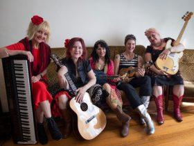 Kelly Auty and her musical friends Sarah Caroll, Lisette Payet, Felecia Bassgal & Jen Hawley