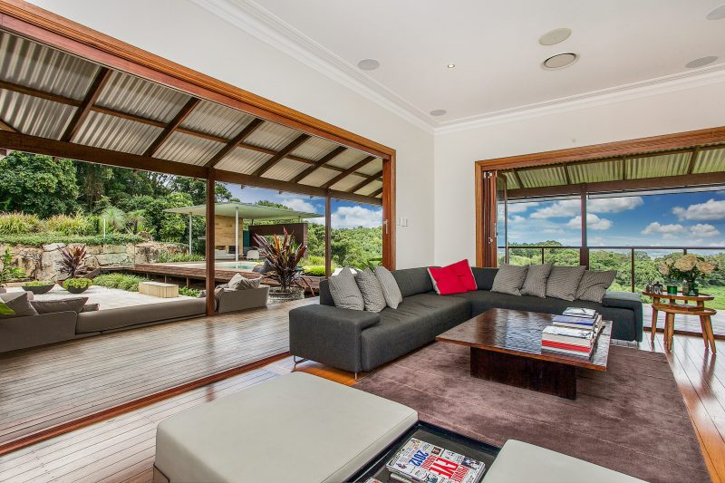 Callistemon View - lounge to deck area