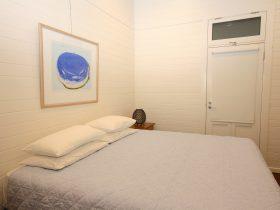 Cavvanbah Seaside Cottage bedroom