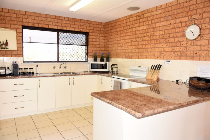 Central Wagga Self Catering Apartments: Salmon Apartment