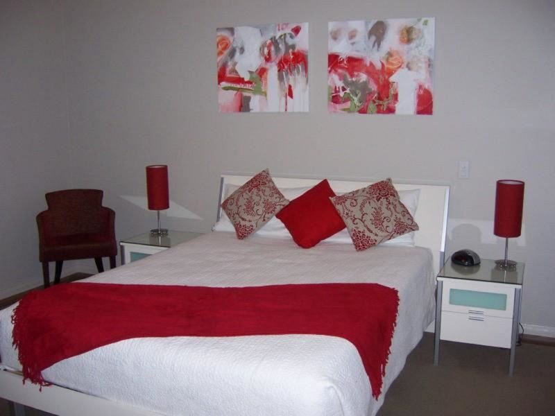 Chaucer Palms Boutique Bed and Breakfast