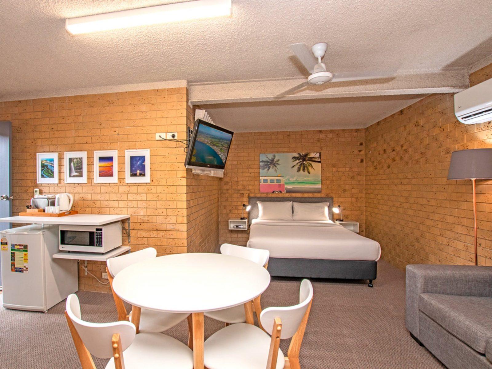 Coast Inn Motel Interior of room