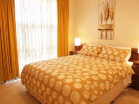 Cottonwood Cottage queen bed
