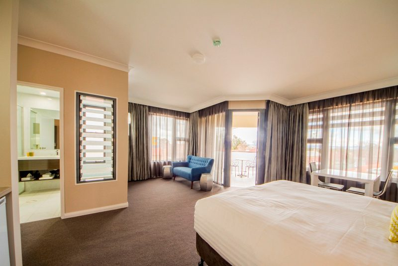 Cowra Services Club Motel Room