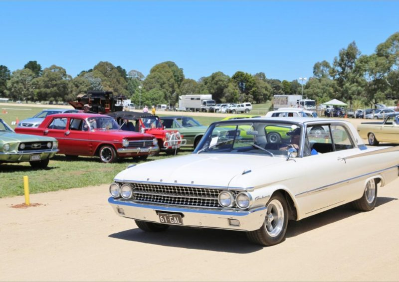 Car parade at the Crookwell Show