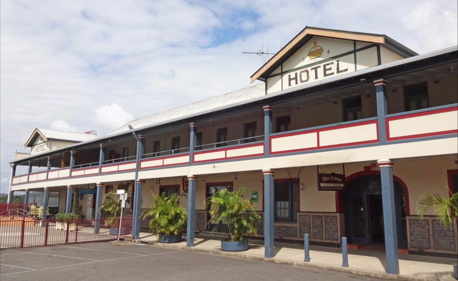 Crown Hotel Motel