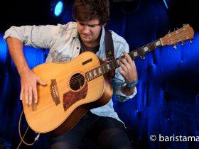 Daniel Champagne performing live