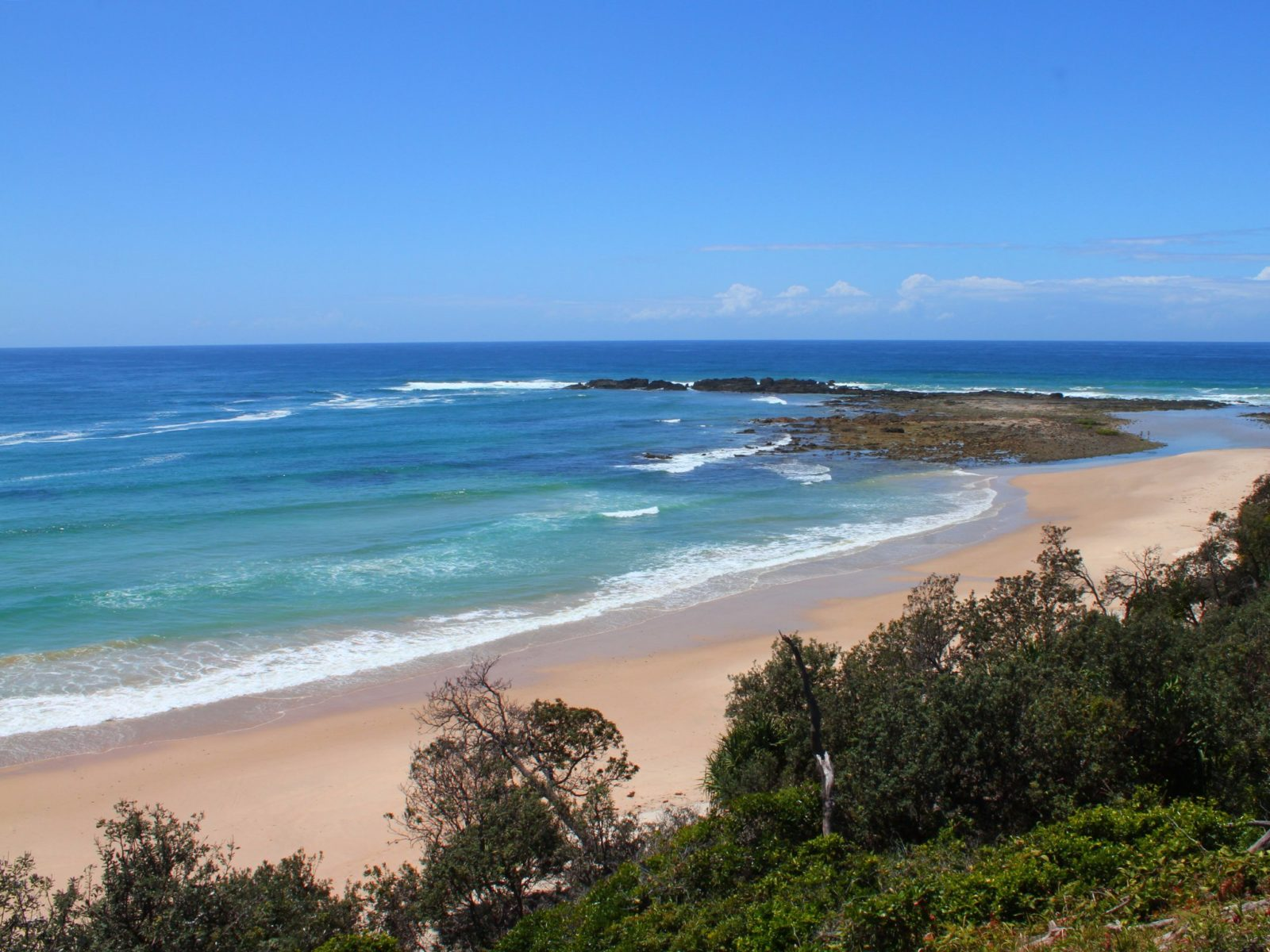 Overview of Diggers Camp's glorious front beach.