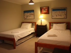 Hunter Valley Barn Apartment Bedroom, Eelah, Maitland Vale