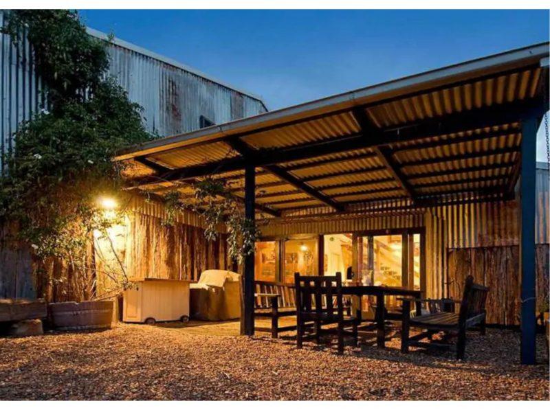 Eelah Barn Apartment