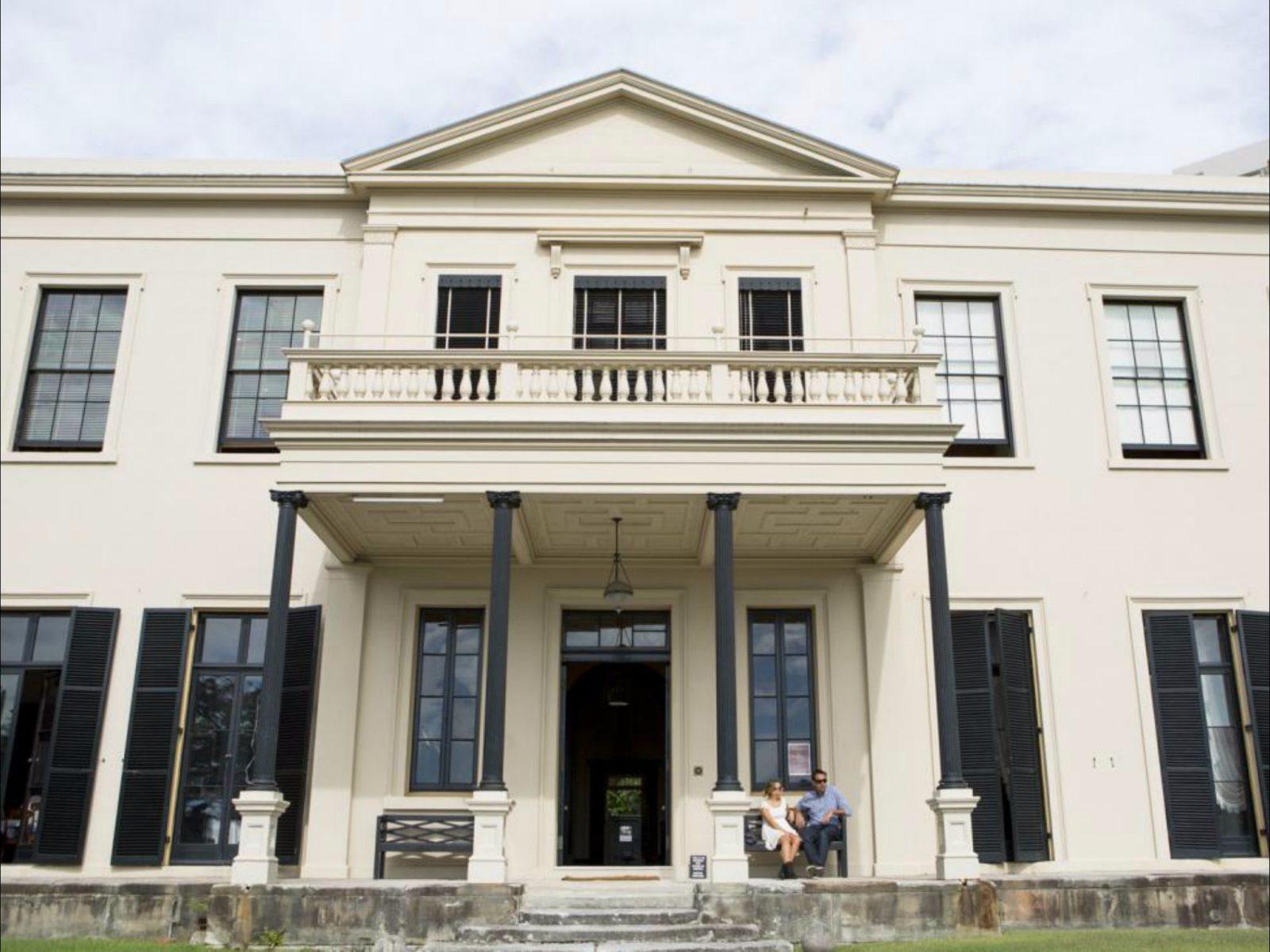 The impressive facade of Elizabeth Bay House