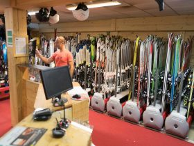 ESSboardstore for Ski and Snowboard rental