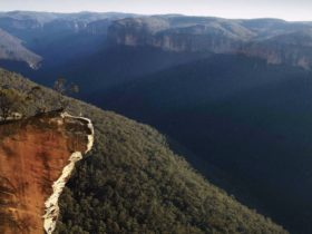 Evans lookout, Blue Mountains National Park. Photo: Kevin McGrath/OEH