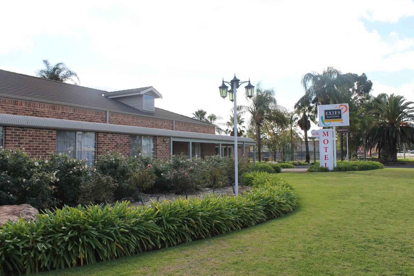 Exies Bagtown Motel