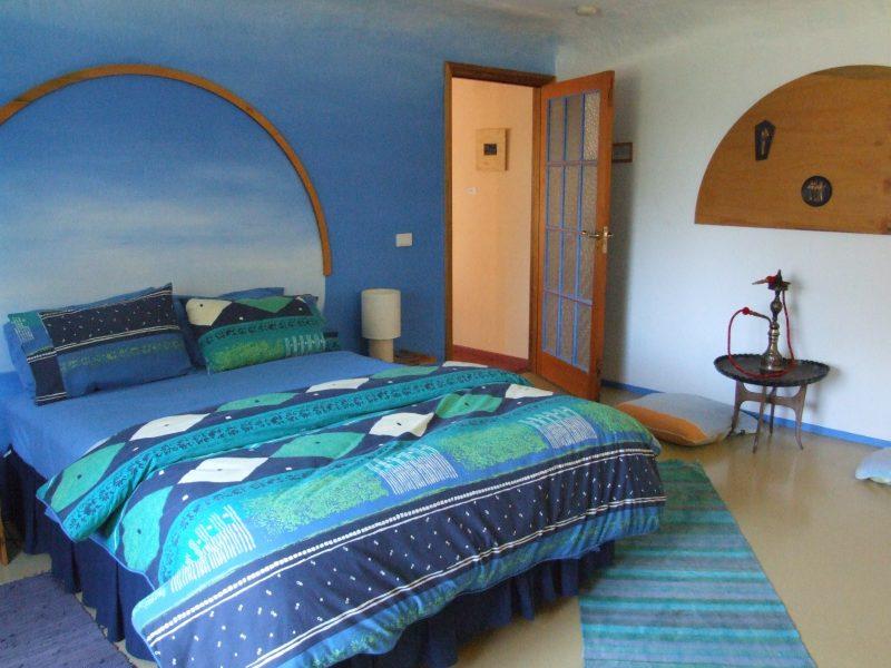 Mid East guestroom